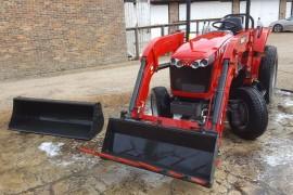 MF1747 4 wheel drive tractor & loader