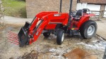 MF1747 4 wheel drive tractor & loader (sold)